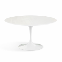 Furniture By Eero Saarinen Knoll