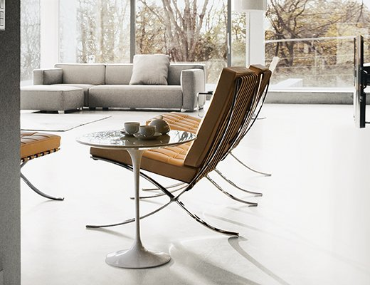 Knoll Barcelona Chair and Saarinen Side Table for livingroom