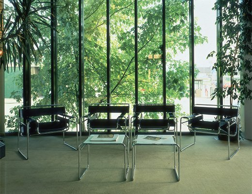 Wassily Chairs & Laccio Tables