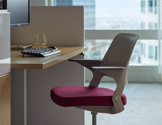 Ollo light task Glen Oliver Loew touchdown workstation