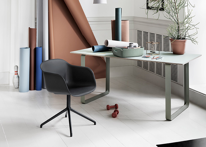 Muuto Fiber Armchair Swivel Base with 7070 Table