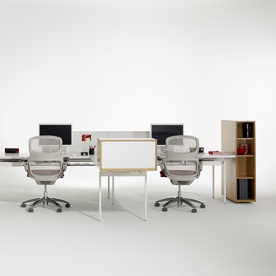 Antenna Workspaces Linked Desks with returns and Generation by Knoll