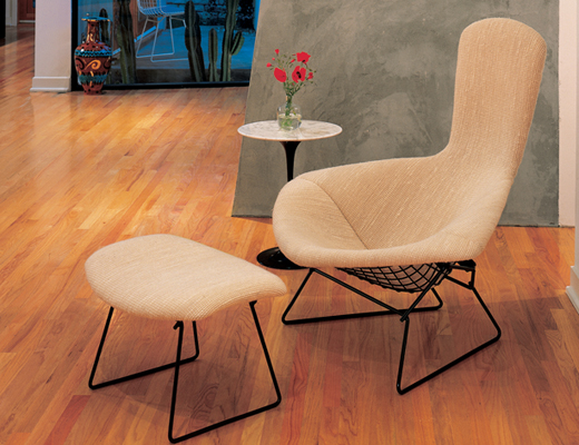 Bertoia Bird chair with Saarinen End Table