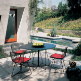 Knoll black outdoor Vignelli Paper Clip Table