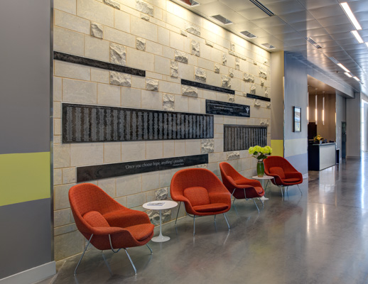 healthcare lounge Eero Saarinen Womb Chair Saarinen Pedestal Table outpatient facility hallway