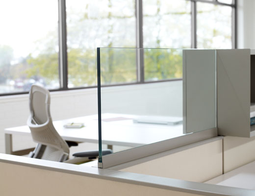 Dividends Horizon workstation with a frameless add up