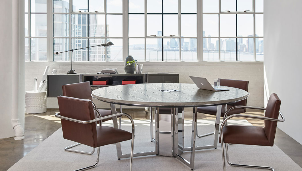 Knoll Shared Spaces Team Meeting with DatesWeiser Table and Brno Chairs