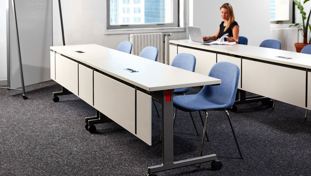 Knoll Shared Spaces Assembly Space with Pixel Training Tables with Modesty Screen