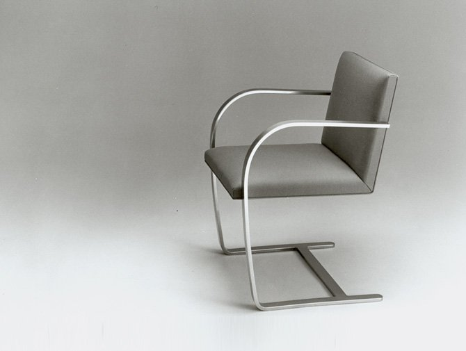 Knoll Mies van der Rohe Flat Bar Brno Chair Tugendhat House History