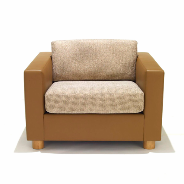 Attirant SM2 Lounge Chair