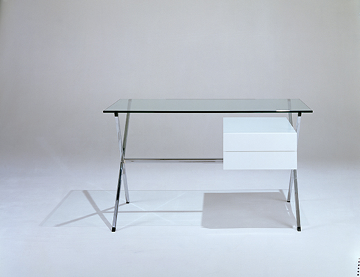 Albini Desk with clear glass top and lacquer pedestal