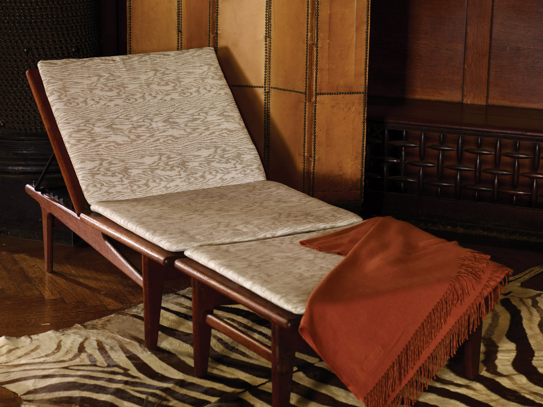Sandis Upholstery Knoll Luxe