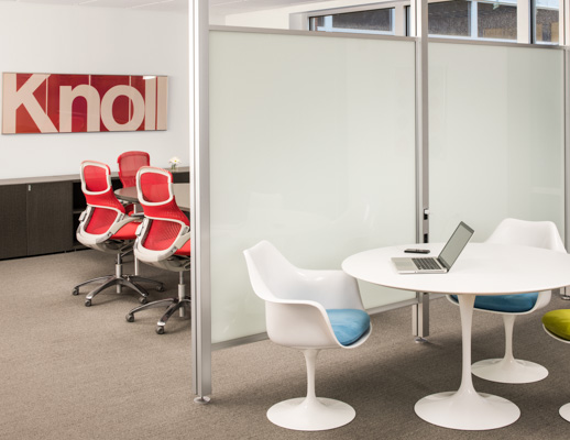 ... Knoll Activity Space With White Saarinen Tulip Table And Arm Chairs ...