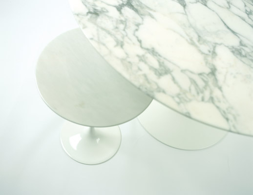 Eero Saarinen Tulip Side and Dining table with marble top