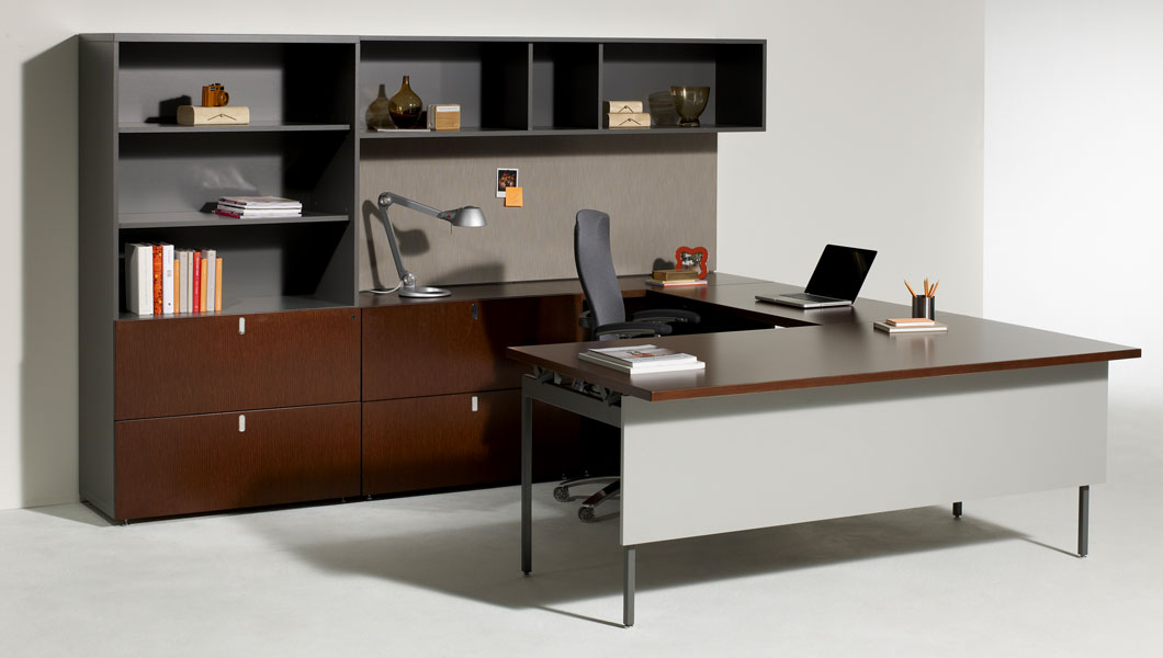 Knoll Classic Private Office with Antenna Workspaces