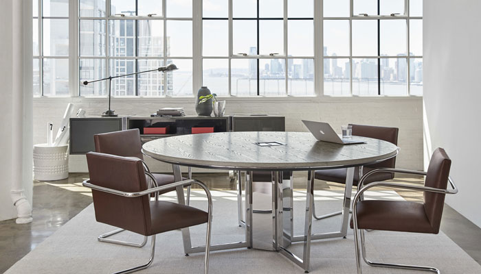 DatesWeiser Highline Table with Brno Chairs