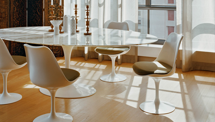 Saarinen Oval Dining Table, Tulip Chairs