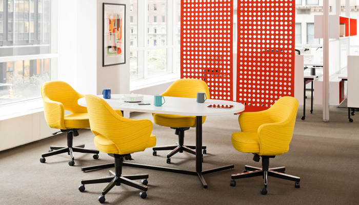 Antenna® Workspaces Table with Saarinen Exectuive Chairs