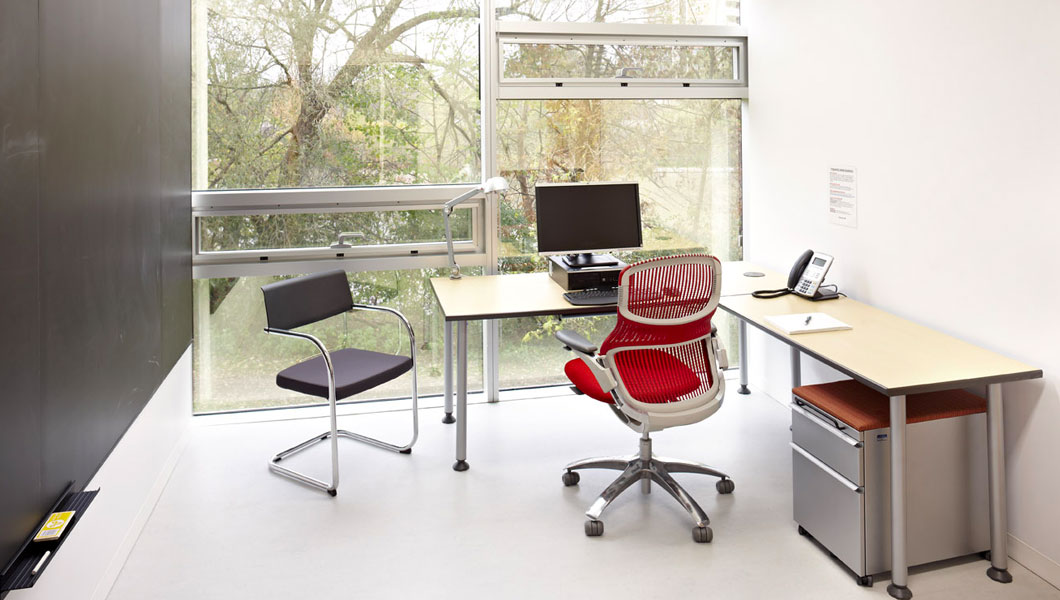 Knoll Efficient Private Office with Upstart Tables