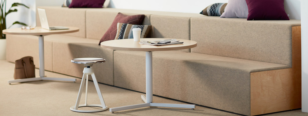 Discover Knoll Side and Coffee Tables