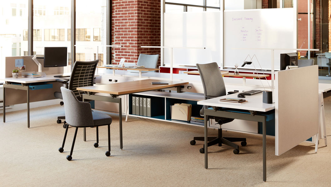 Knoll Open Plan Workstation Furniture with Antenna Workspaces and Interpole