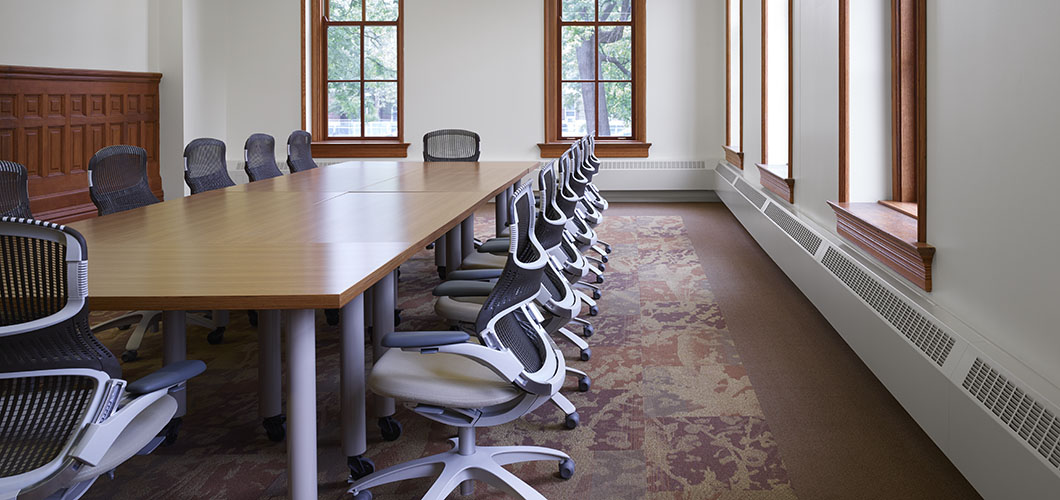 Knoll project profile and case study of University of Illinois at Urbana Champaign with Propeller tables and Generation by Knoll ergonomic chairs