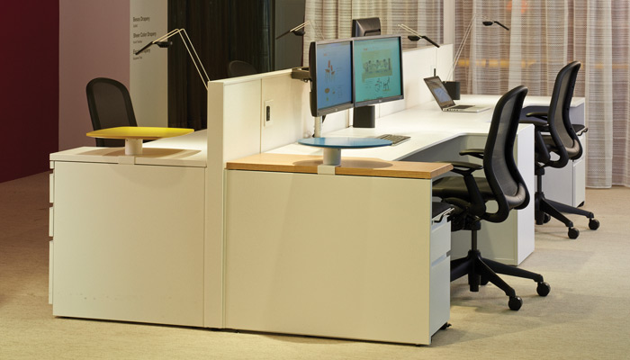 This Dividends Horizon bench application uses eased edge worksurfaces to define a user