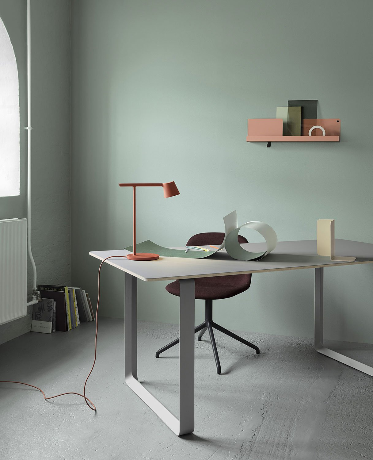 Muuto Tip Table Lamp with 7070 Table and Folded Shelves