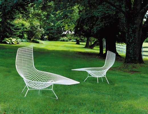 Bertoia Asymmetric Chaise Lounge Chair in white