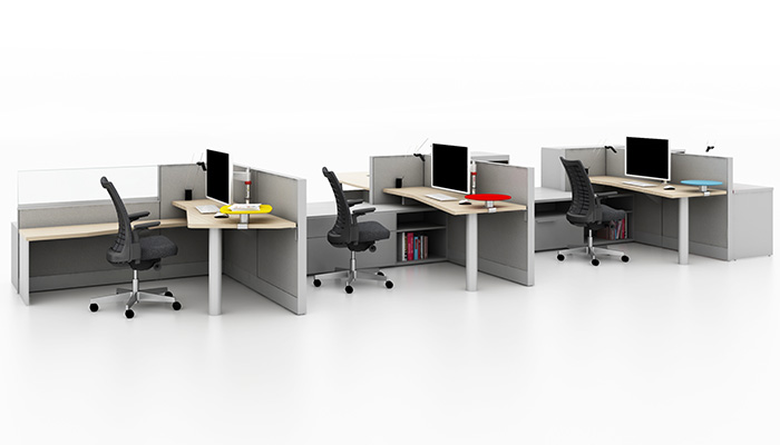Dividends Horizon<sup>®</sup> primary workstations with Faceted Worksurfaces, Satellite Surfaces and Remix™ Task Chairs
