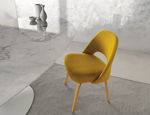 Eero Saarinen Yello Executive Chair