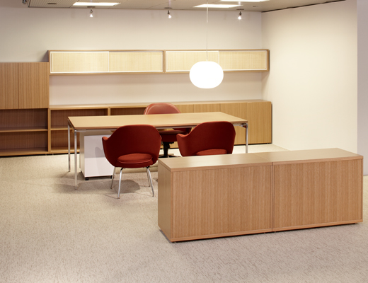 Antenna Workspaces private office with Saarinen Executive chair