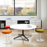 Knoll Dividends Horizon table with Saarinen Tulip stools
