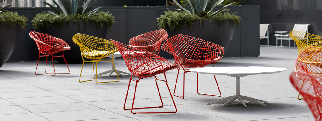 Knoll Outdoor Seating