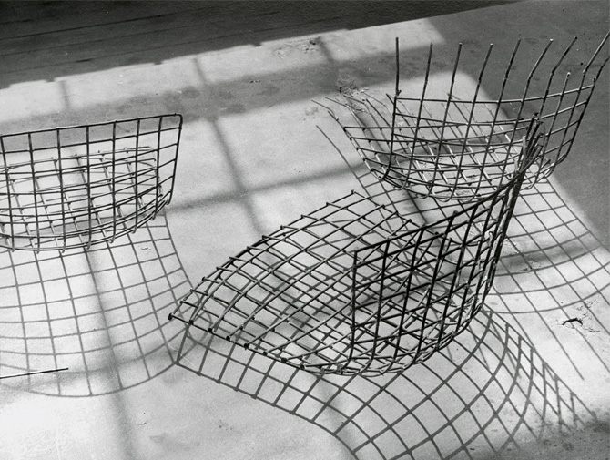 Knoll Harry Bertoia Wire  Chair history