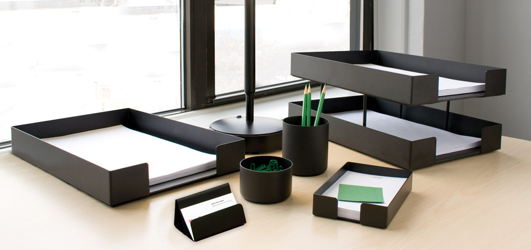 Smokador Desktop Management Collection by Knoll