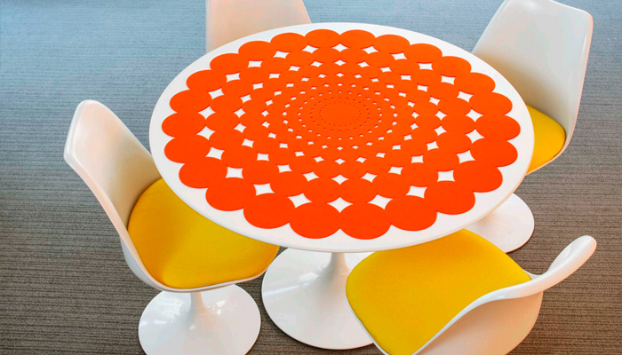 Saarinen 42 Doily Table Mat