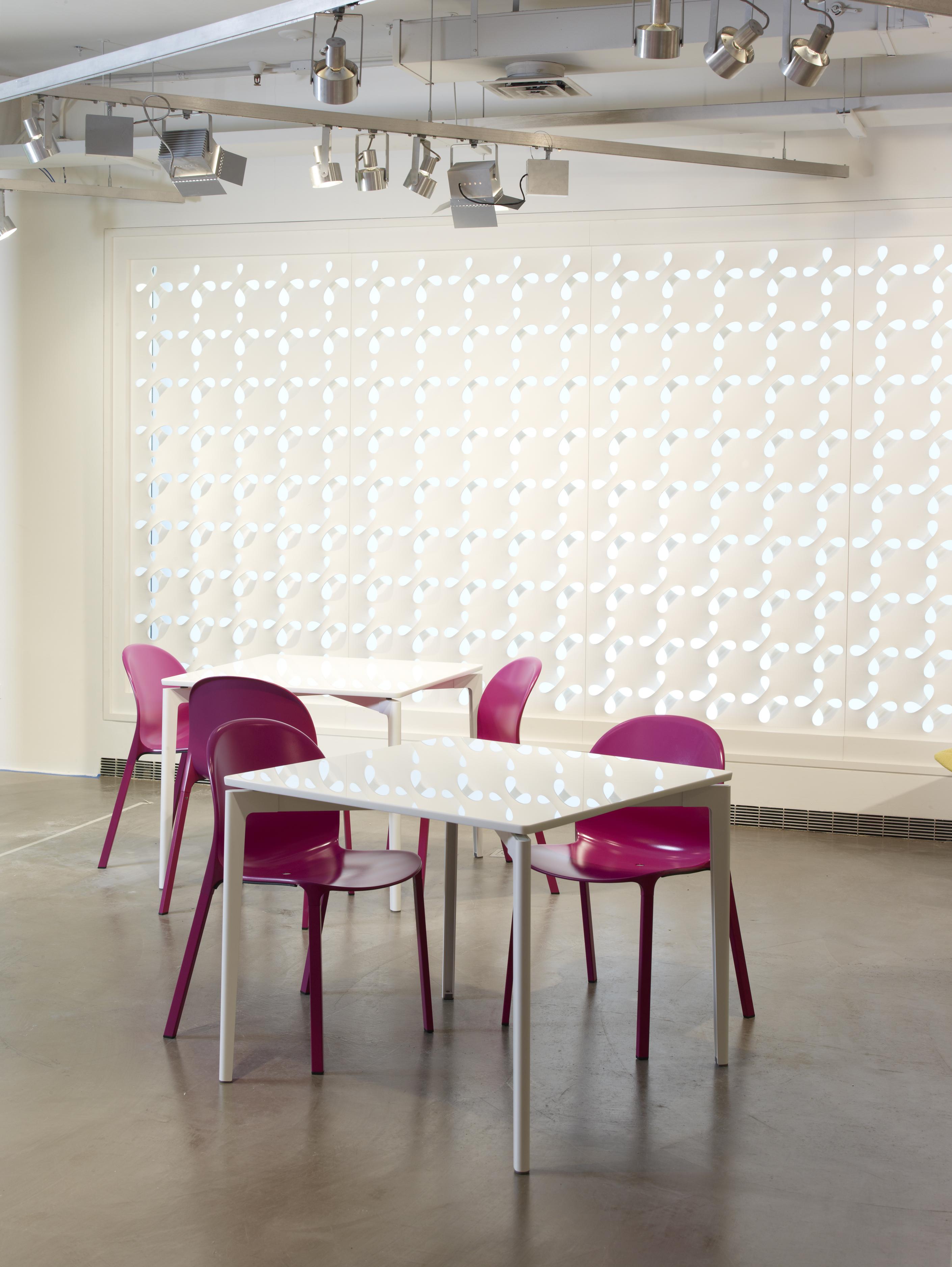 Stromborg Table 60 x 30 Knoll