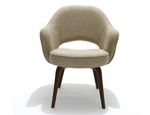 knoll saarinen arm executive chair