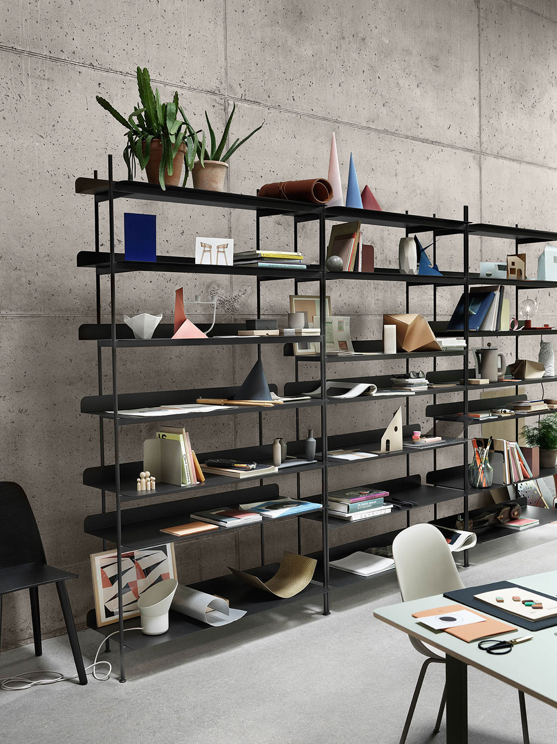 muuto Compile Shelving System_Nerd Chair_Fiber Chair