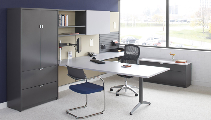 Dividends Horizon® with Generation by Knoll® Task Chair and Moment™ Side Chair