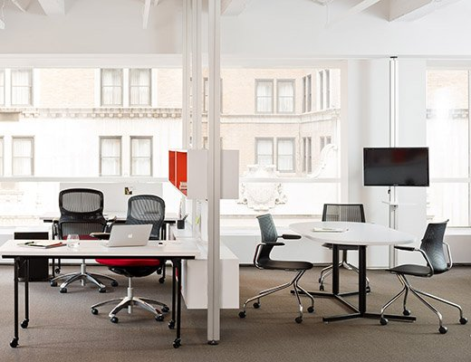 Knoll Antenna Workspaces and Interpole for Open Plan Offices
