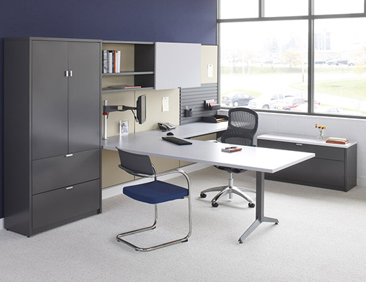 Dividends Horizon wall mounted private office with Generation by Knoll