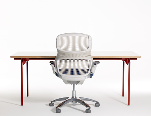 Antenna Workspaces open plan office system with Generation by Knoll office chair