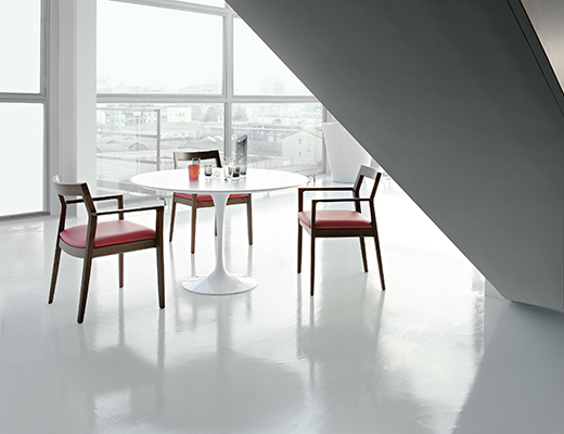 Knoll Krusin Side Chair and Saarinen Dining Table