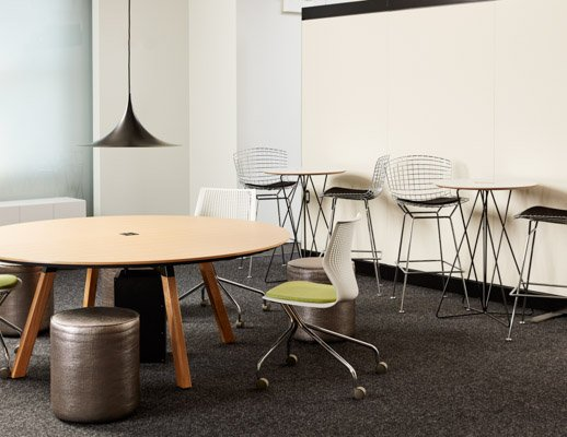 neocon showroom 2017 adaptive planning immersive planning rockwell unscripted sawhorse round table occasional table bertoia stool