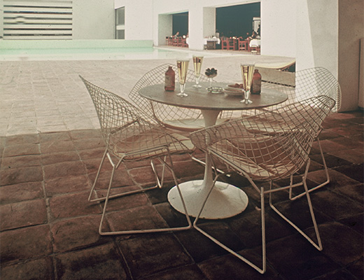 Bertoia Diamond Lounge Chairs with Saarinen Tulip