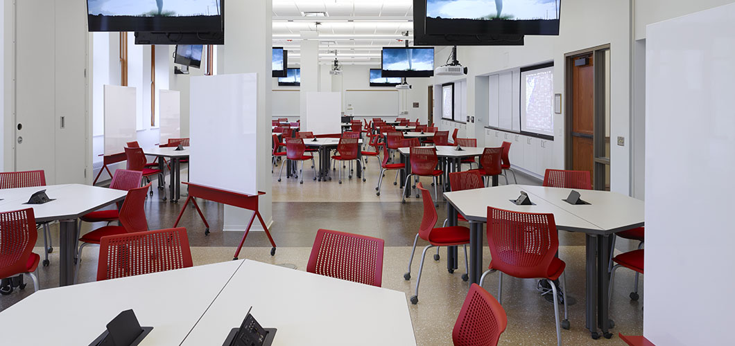 Knoll project profile and case study of University of Illinois at Urbana Champaign with MultiGeneration Side Chairs and Propeller Tables