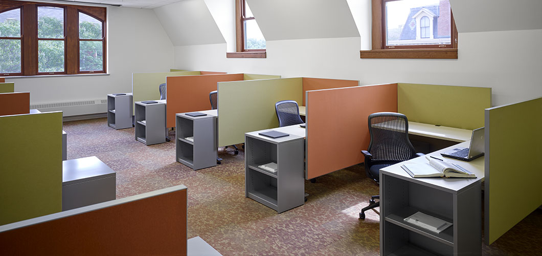 Knoll project profile and case study of University of Illinois at Urbana Champaign with Dividends Horizon Workstations
