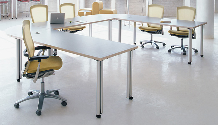 Propeller Training Tables And Desks Feature Easy Ganging Mechanisms Can Easily Be Configured Reconfigured To Create Furniture Layouts Suitable A